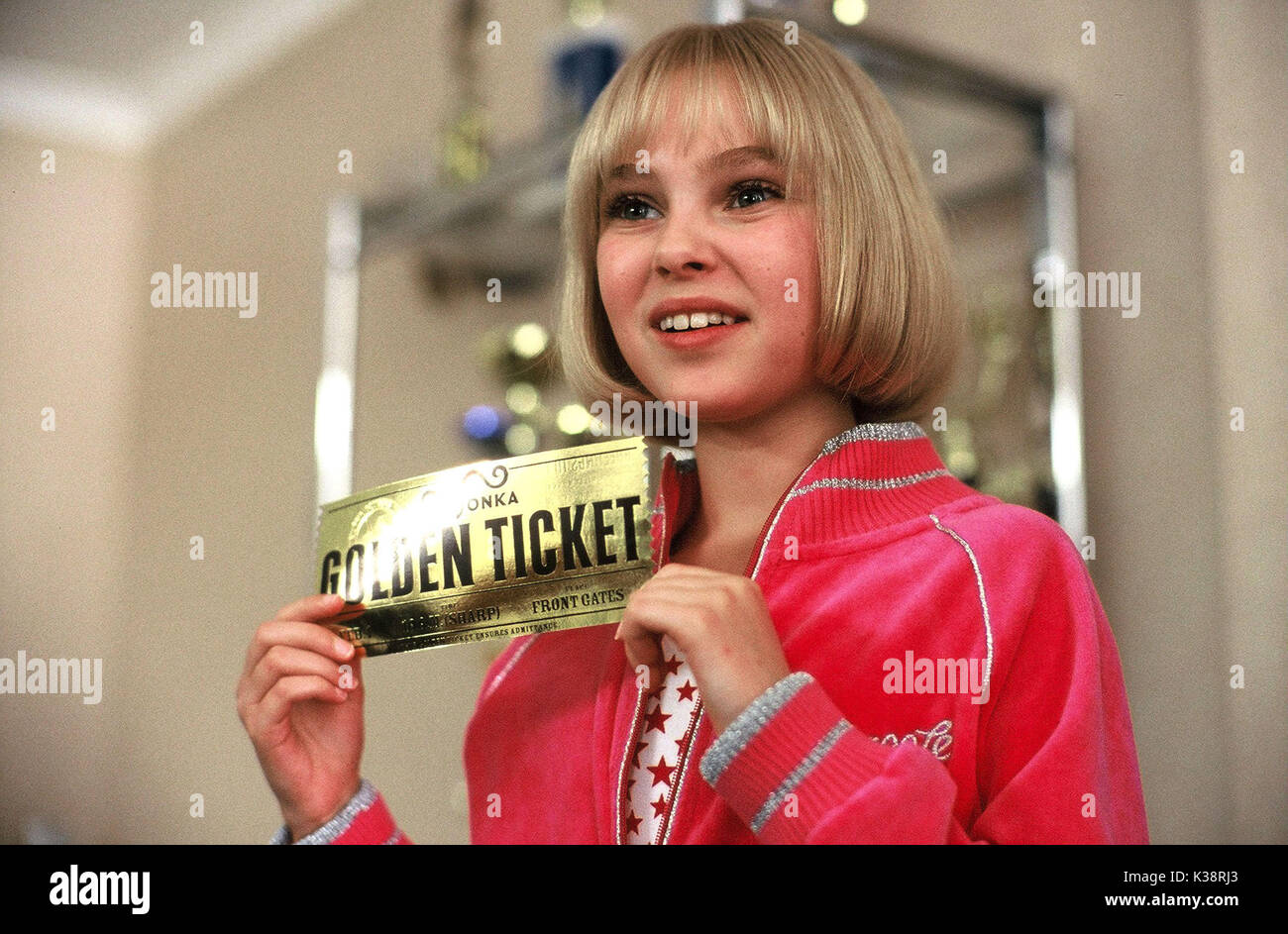 CHARLIE AND THE CHOCOLATE FACTORY ANNASOPHIA ROBB as Violet PHOTOGRAPHS TO BE USED SOLELY FOR ADVERTISING, PROMOTION, Stock Photo
