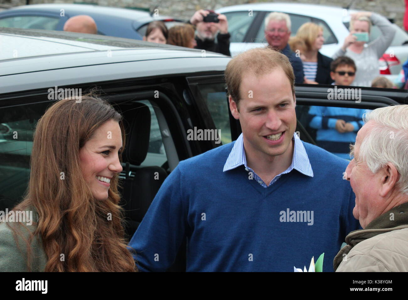 Duke & Duchess of Cambridge at breakwater country park for the start of the ring o fire coastal ultra marathon Anglesey wales - Stock Image