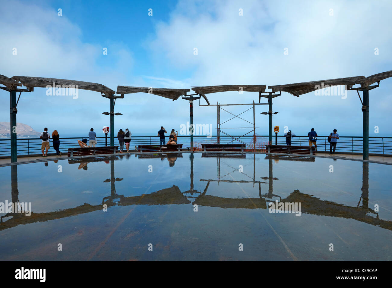 Pond at Lacomar cliff-top shopping mall, Miraflores, Lima, Peru, South America - Stock Image