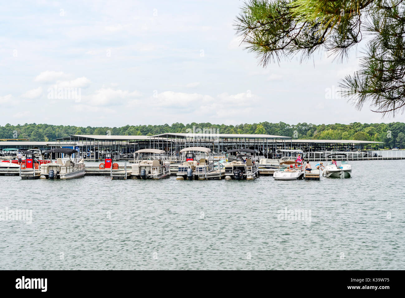 Boats Tied Up On Pontoon Stock Photos Amp Boats Tied Up On