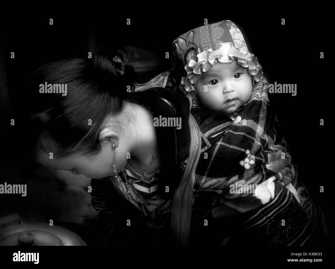 mother and child Vietnam - Stock Image