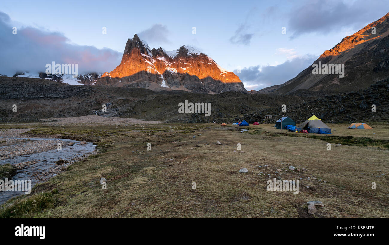 Sunset at Huayhuash Trek, Peru - Stock Image