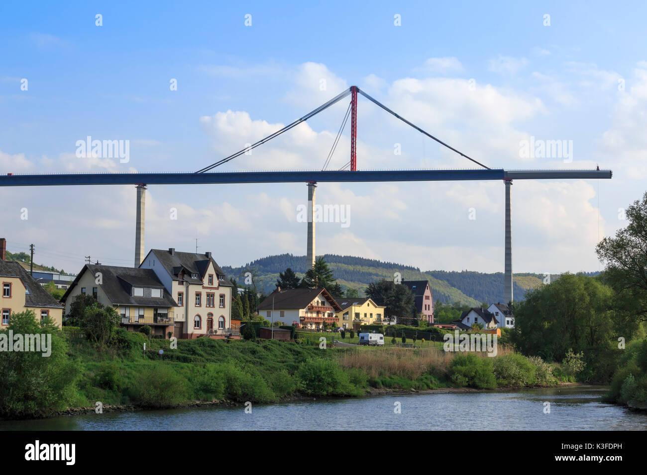 Hochmoselbruecke, High Moselle Bridge, under construction between Uerzig and Zeltingen-Rachtig, Rhineland-Palatinate, Germany - Stock Image