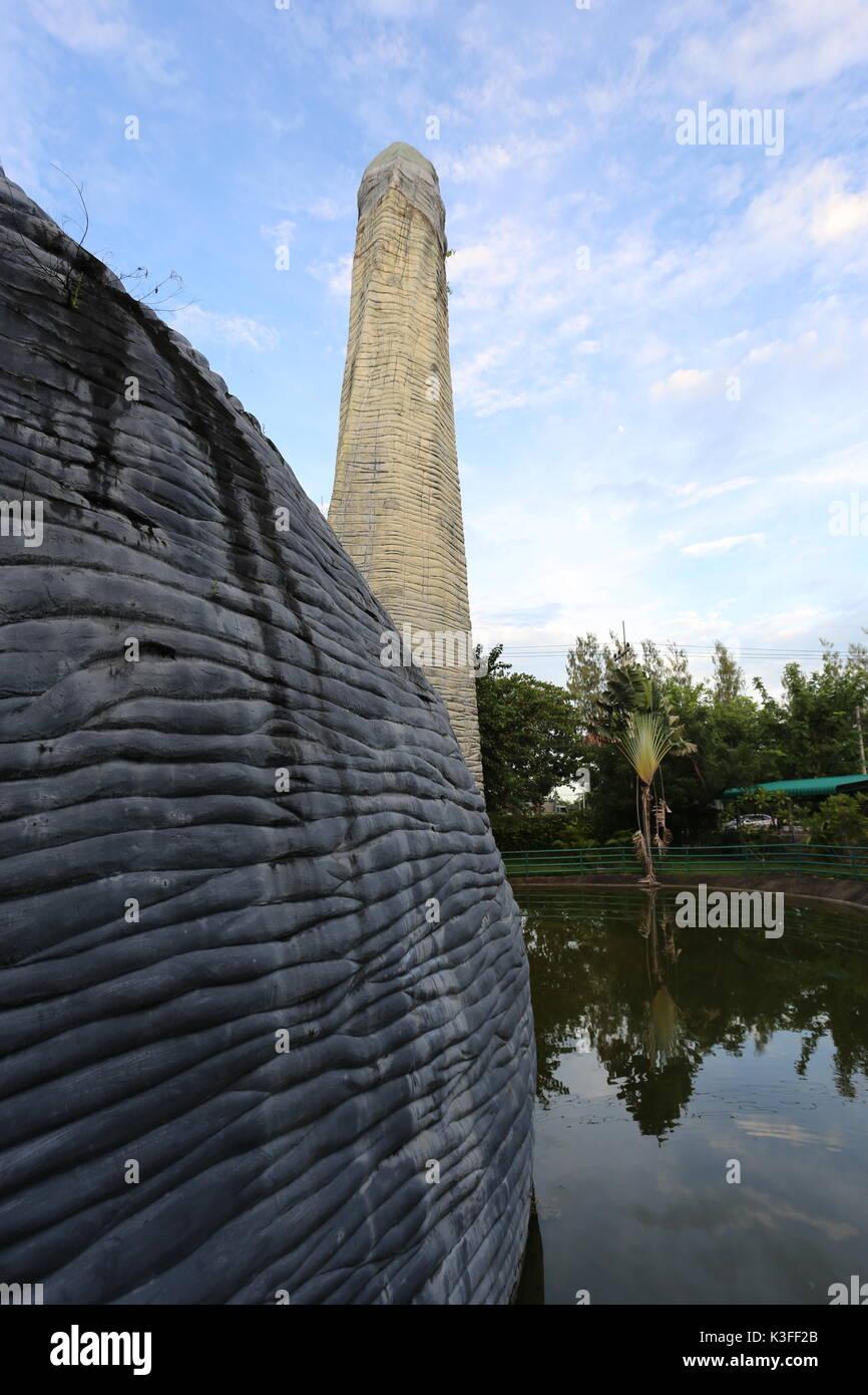 Cha-am Dinosaur and closed crocodile farm - Stock Image