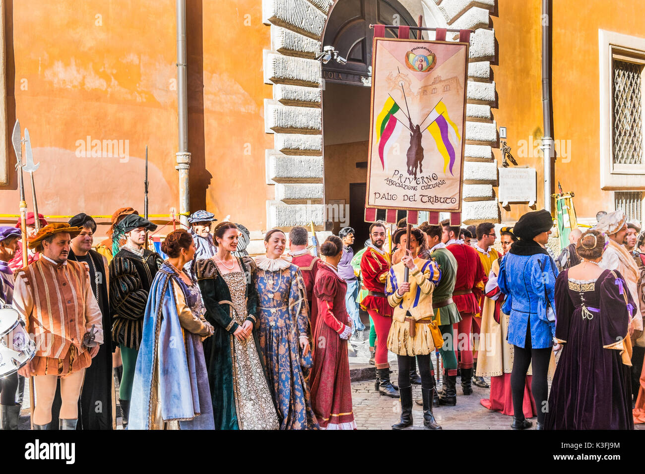 members of associazione culturale priverno lining up for a parade in historic costumes - Stock Image