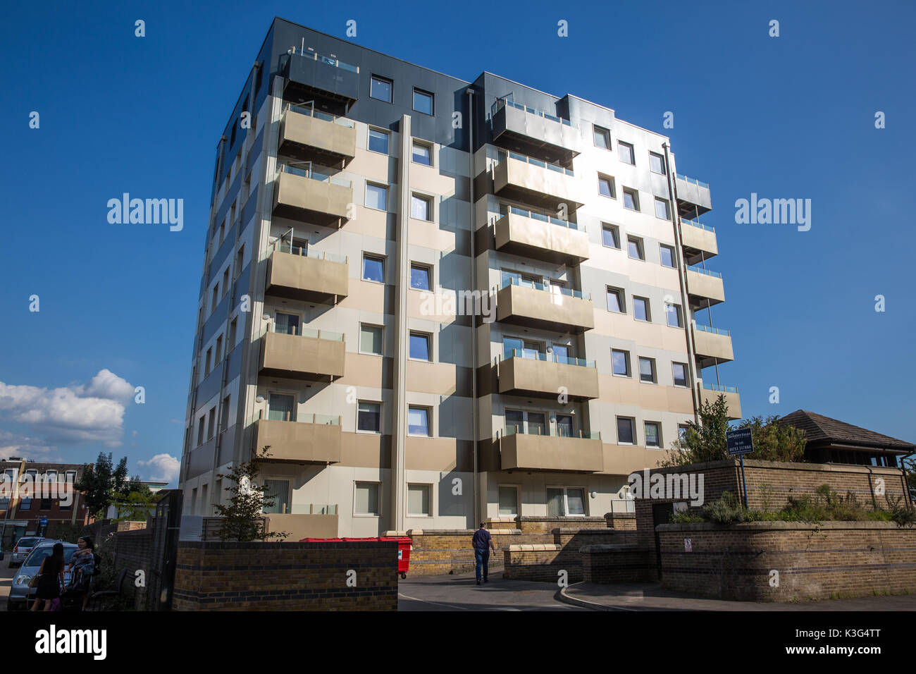 Slough, UK. 2nd September, 2017.  Cladding on Nova House, a privately-owned 7-storey tower block, which failed a sampling safety test carried out in June following the Grenfell Tower fire will be replaced according to an announcement made on behalf of freeholder Ground Rent Estates 5 Ltd by director Darren Pither. Credit: Mark Kerrison/Alamy Live News - Stock Image