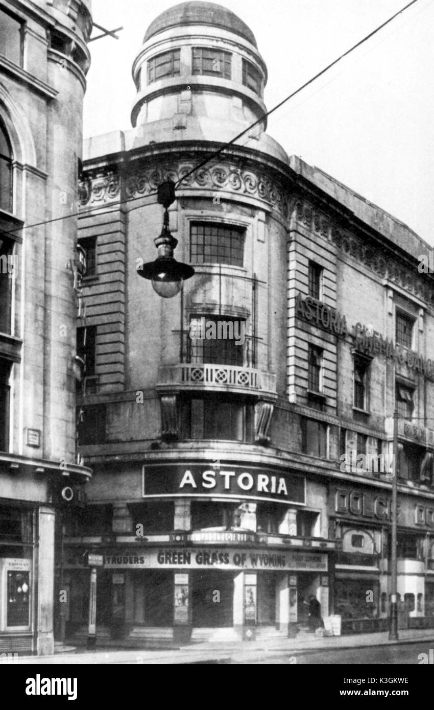 best loved 992eb 0be1c THE ASTORIA CINEMA, CHARING CROSS ROAD IN 1948 - Stock Image