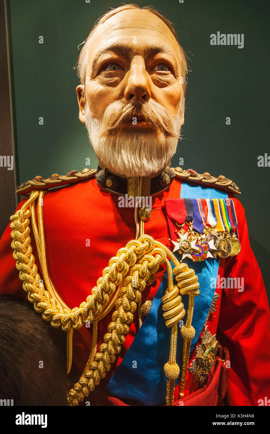England, London, Tower of London, The Fusiliers Museum, Waxwork Statue of King George V in Dress Uniform - Stock Image