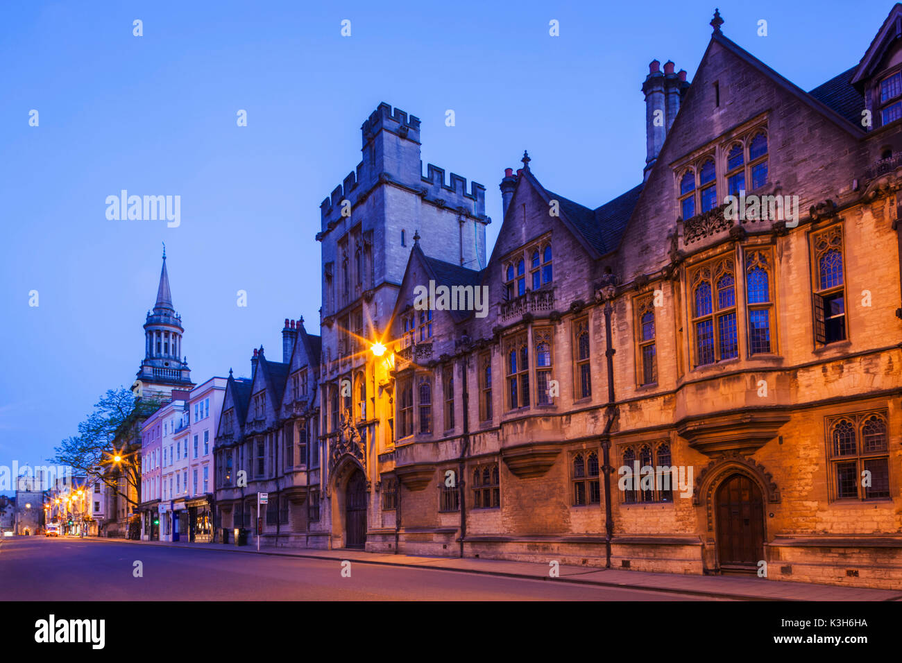 England, Oxfordshire, Oxford, Brasenose College and The High Street - Stock Image