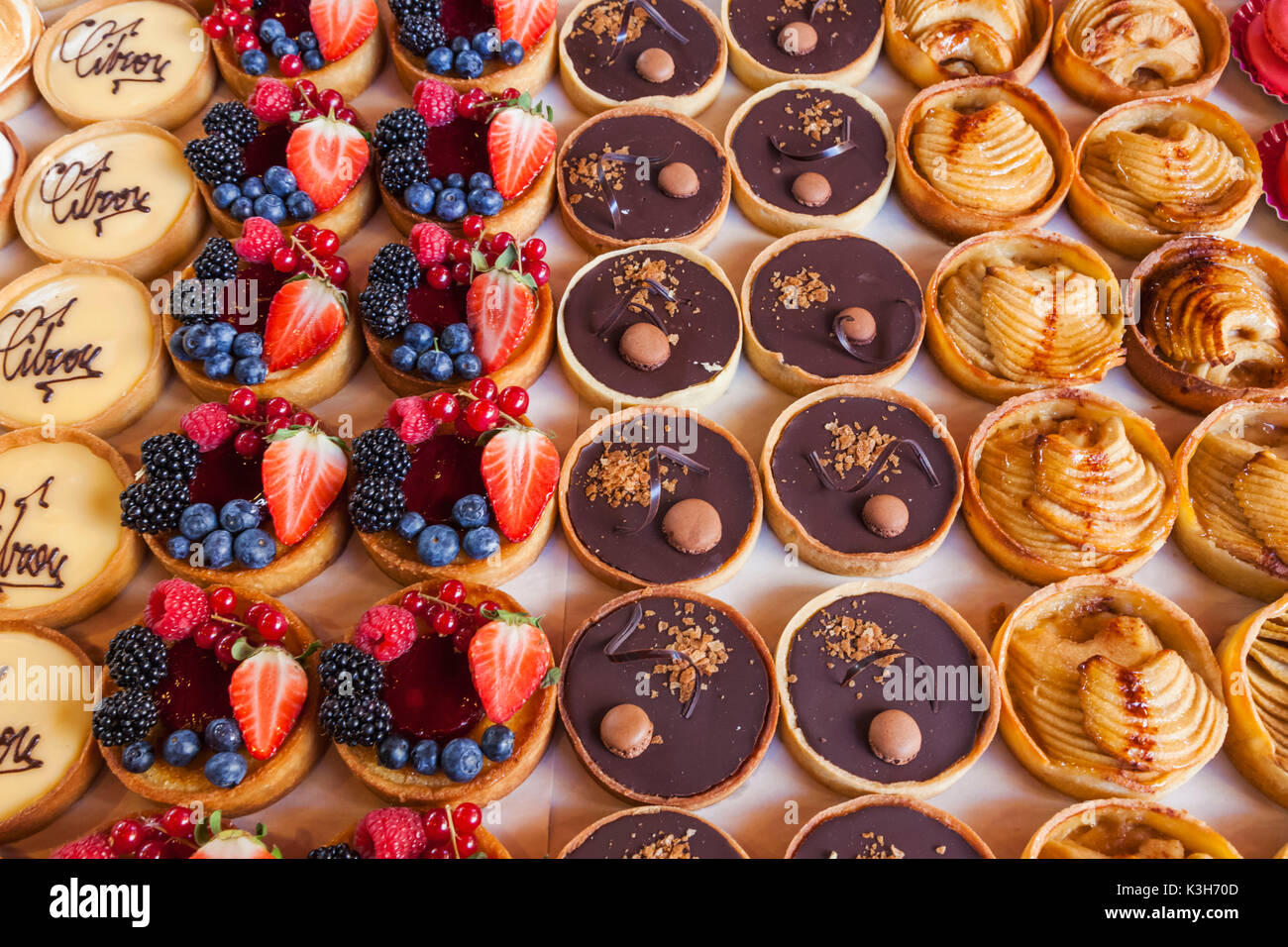 England, London, Southwark, Borough Market, Display of French Patisserie - Stock Image