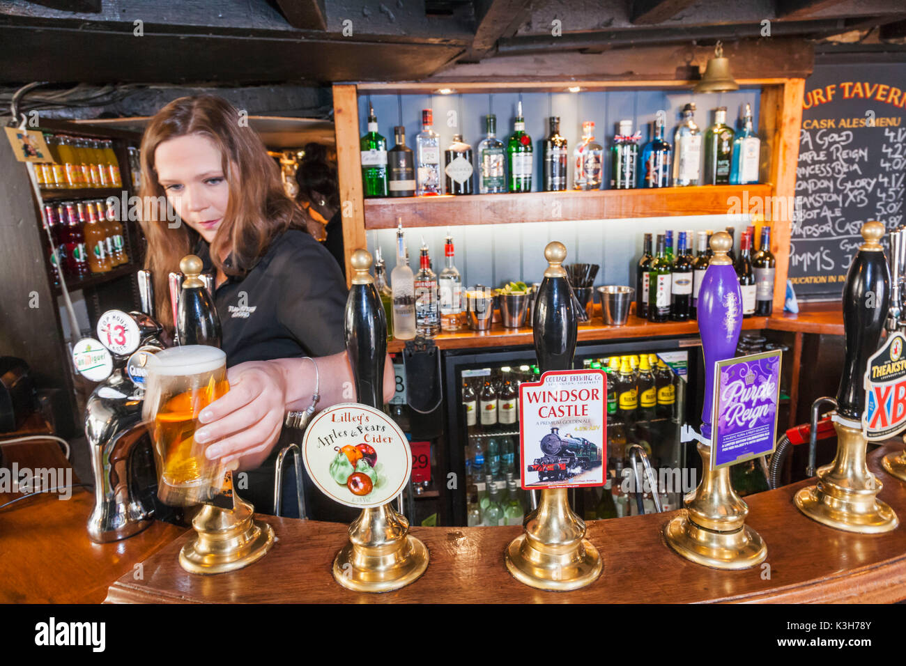 England, Oxfordshire, Oxford, Turf Tavern Pub, Bar Scene - Stock Image