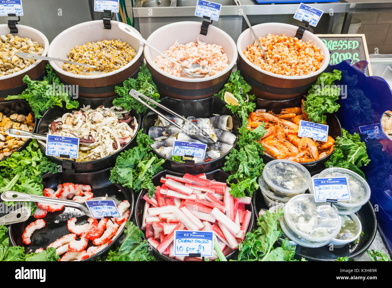 England, East Sussex, Hastings, Fish Shop Display of Seafood - Stock Image