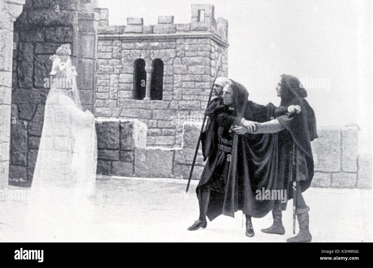 HAMLET [BR 1913]  PERCY RHODES as the ghost of Hamlet's father, SIR JOHNSTON FORBES ROBERTSON as Hamlet, ROBERT ATKINS as Marcellus *** Local Caption *** DO NOT GO WITH IT ENTREATED MARCELLUS     Date: 1913 - Stock Image