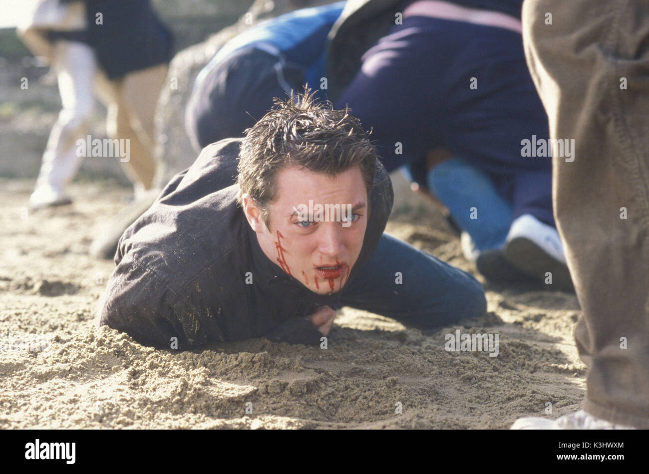 GREEN STREET ictured: Matt Buckner falls during a fight. HOOLIGANS aka GREEN STREET ELIJAH WOOD     Date: 2005 - Stock Image