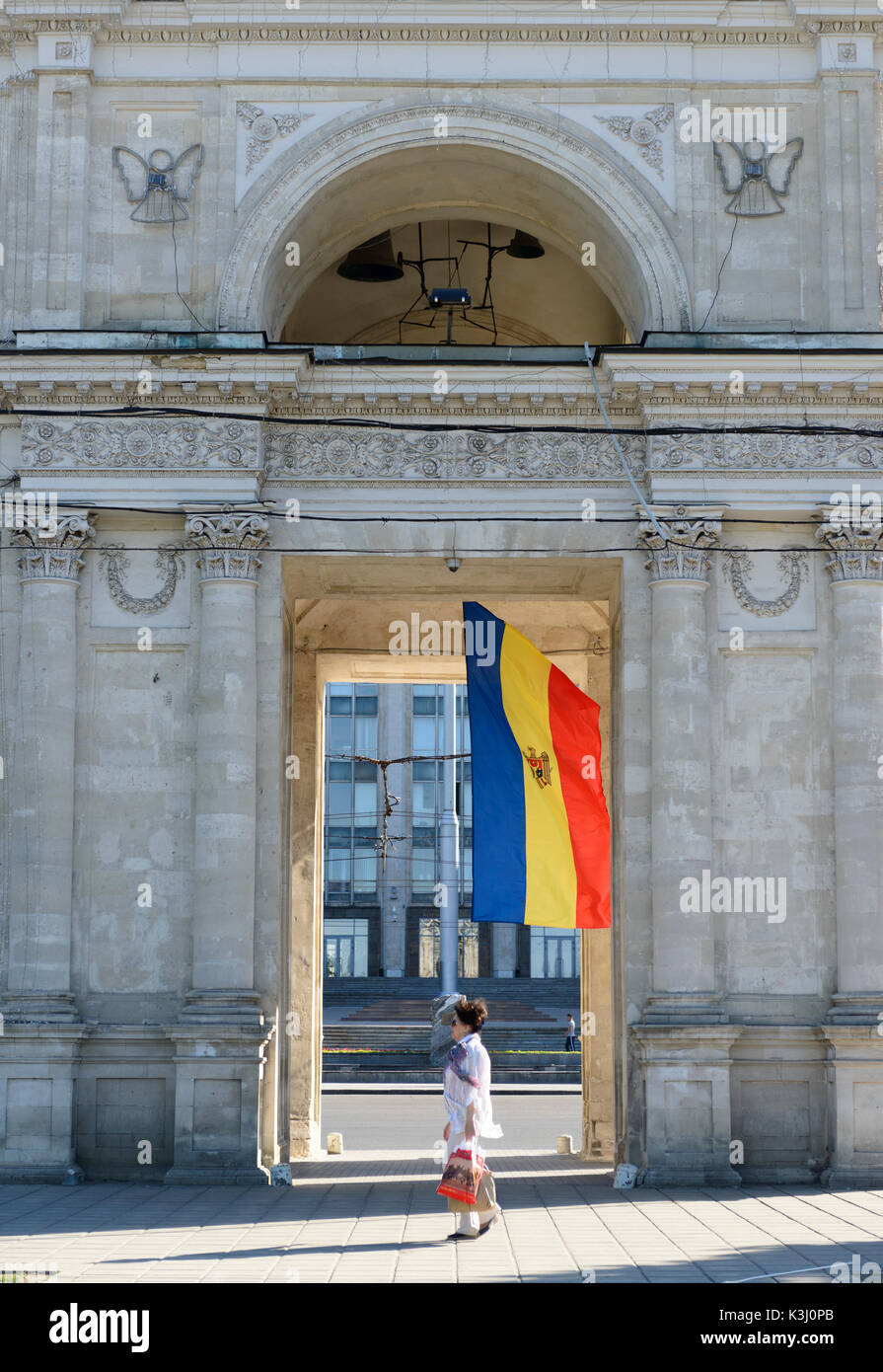Triumphal Arch in the center of Chisinau, Capital of Moldova. - Stock Image