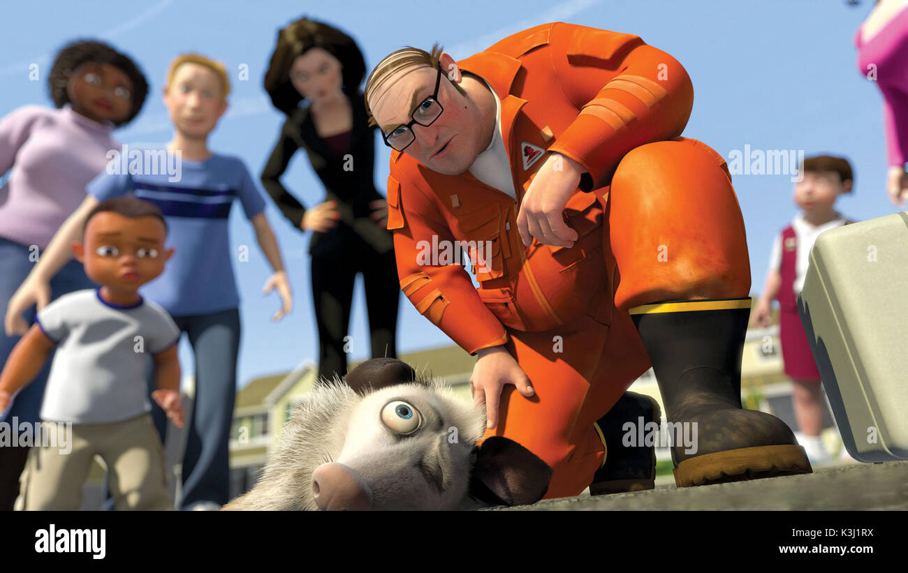 Pictured:Doing what he does best, Ozzie (WILLIAM SHATNER) plays possum to trick the Verminator (THOMAS HADEN CHURCH) and Gladys (ALLISON JANNEY) into thinking he's road kill in DreamWorks Animation's comedy OVER THE HEDGE. OVER THE HEDGE [US 2006]  Doing what he does best, Ozzie (WILLIAM SHATNER) plays possum to trick the Verminator (THOMAS HADEN CHURCH) and Gladys (ALLISON JANNEY) into thinking he's road kill     Date: 2006 - Stock Image