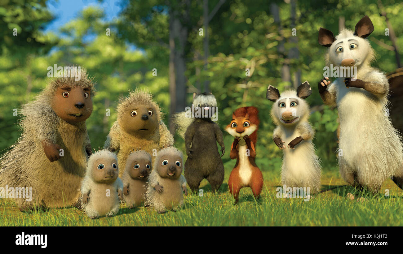 (Left to right) Lou, the Porcupine triplets, Penny, Stella, Hammy, Heather and Ozzie are a family of woodland animals in DreamWorks Animation?s comedy OVER THE HEDGE. OVER THE HEDGE (Left to right) Lou, the Porcupine triplets, Penny, Stella, Hammy, Heather and Ozzie are a family of woodland animals - Stock Image