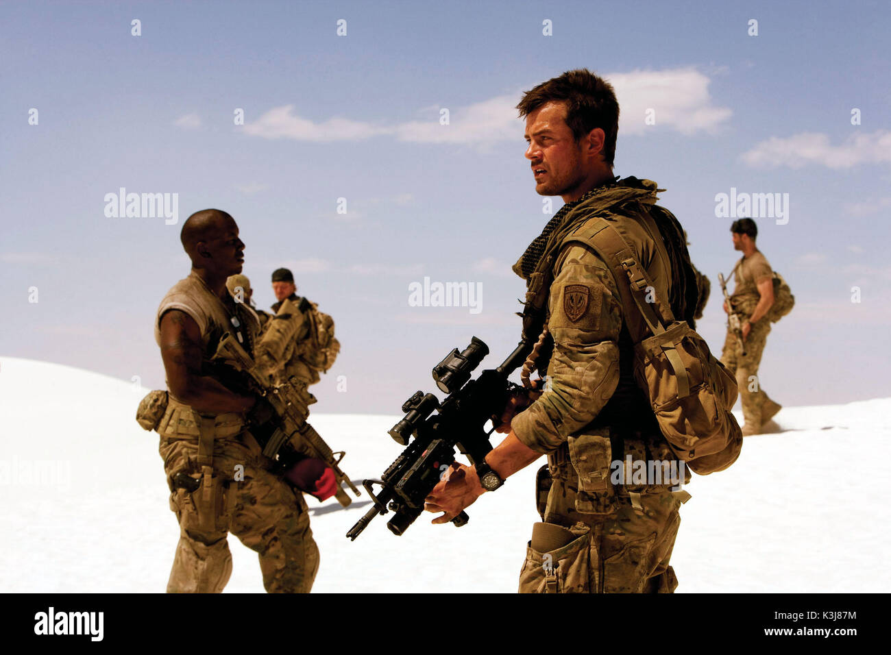 U.S. Air Force Tech. Sgt. Epps (TYRESE GIBSON, left) and Special Forces Army Capt. Lennox (JOSH DUHAMEL, right) Stock Photo