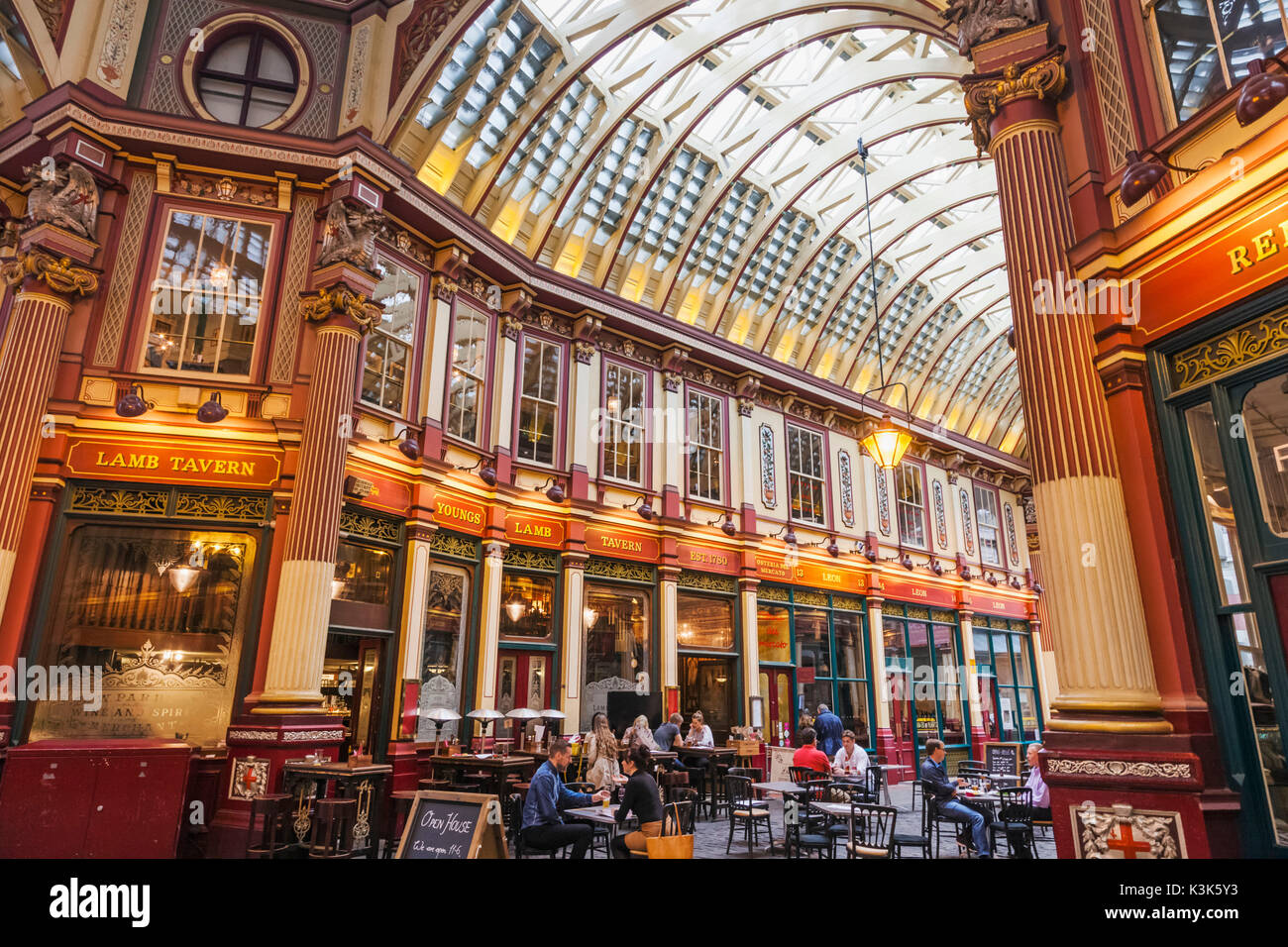 England, London, The City, Leadenhall Market, Pub Scene - Stock Image