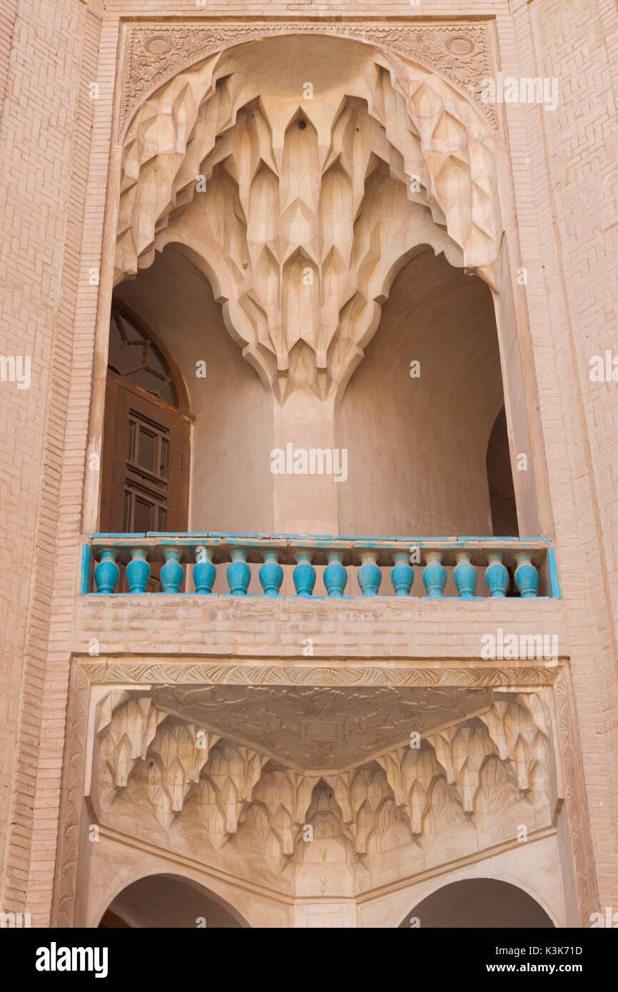 Iran, Central Iran, Kashan, Khan-e Boroujerdi, traditional carpet merchant's house, ornate plasterwork - Stock Image