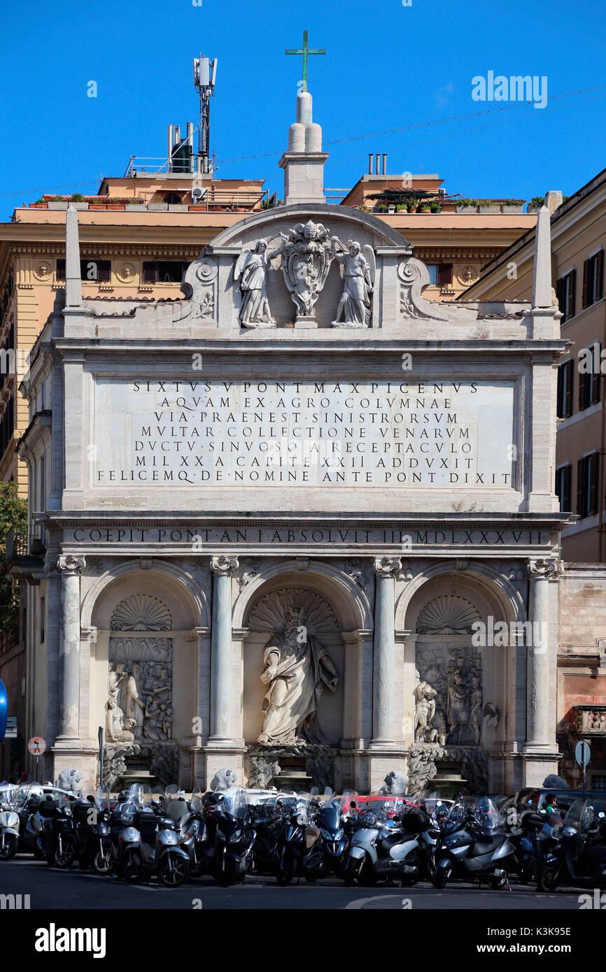 Italy Rome Fontana dell acqua Felice Piazza San Bernado - Stock Image