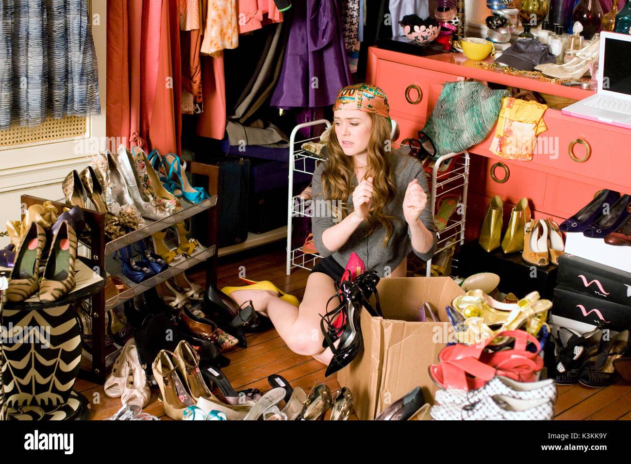 dating a shopaholic
