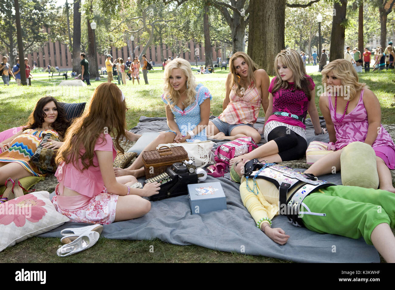 The House Bunny Katharine Mcphee Emma Stone Anna Faris Dana Stock Photo Alamy