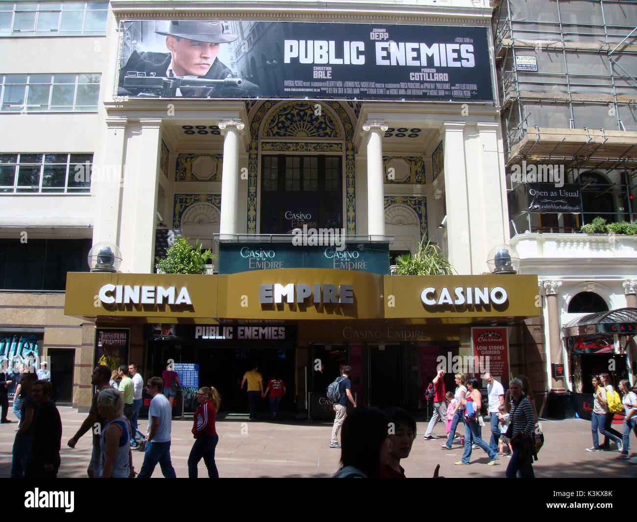 THE EMPIRE CINEMA, LEICESTER SQUARE, LONDON, July 2009 Screening Public Enemies starring Johnny Depp Stock Photo