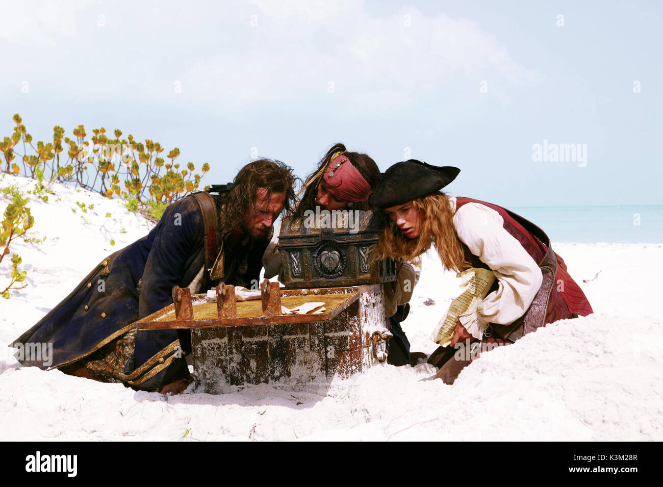 PIRATES OF THE CARIBBEAN: DEAD MAN'S CHEST [US 2006]  JACK DAVENPORT, JOHNNY DEPP, KEIRA KNIGHTLEY                Date: 2006 - Stock Image