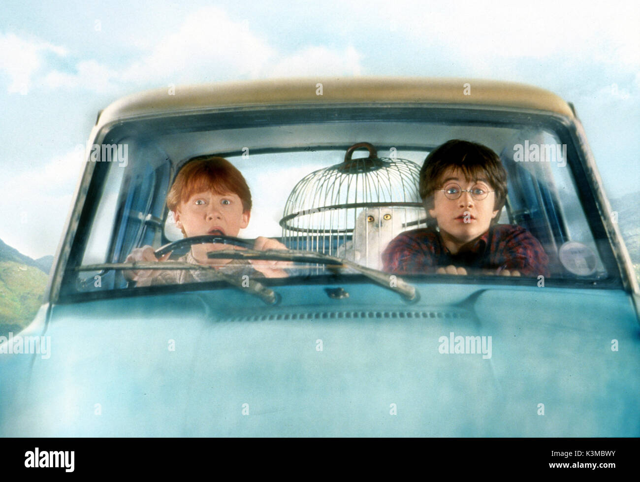 HARRY POTTER AND THE CHAMBER OF SECRETS [BR / US / GER 2002] [L-R] RUPERT GRINT as Ron Weasley, DANIEL RADCLIFFE as Harry Potter     Date: 2002 - Stock Image