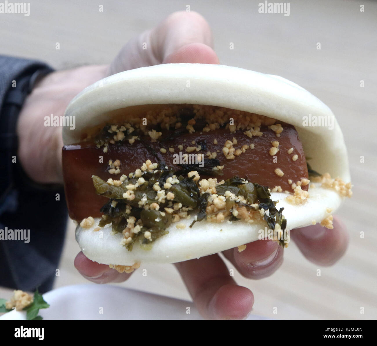 Pork belly bao sandwich - Stock Image