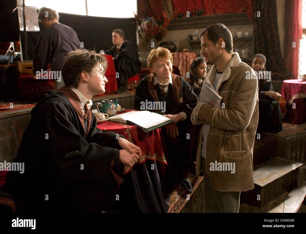 HARRY POTTER AND THE PRISONER OF AZKABAN [BR / US 2004] [L-R] DANIEL RADCLIFFE as Harry Potter, RUPERT GRINT as Ron Weasley, Producer DAVID HEYMAN     Date: 2004 - Stock Image