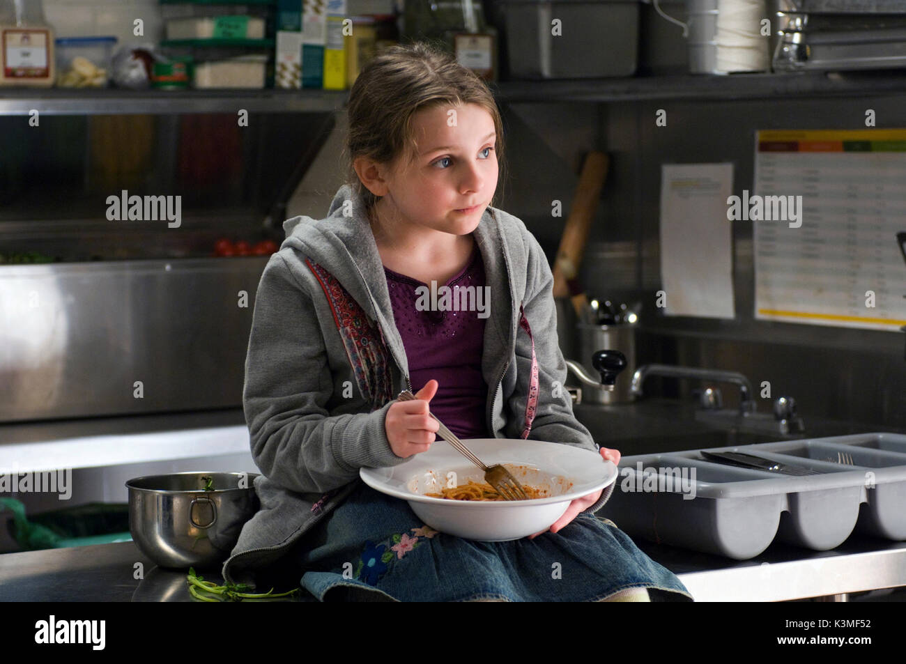 NO RESERVATIONS [US / AUS 2007] ABIGAIL BRESLIN     Date: 2007 - Stock Image