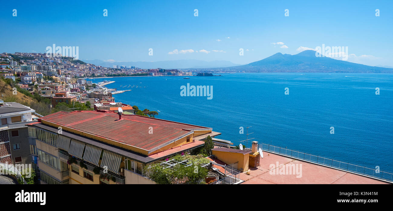 Panoramic view of the Gulf of Naples with Mount Vesuvius in the background, Italy - Stock Image