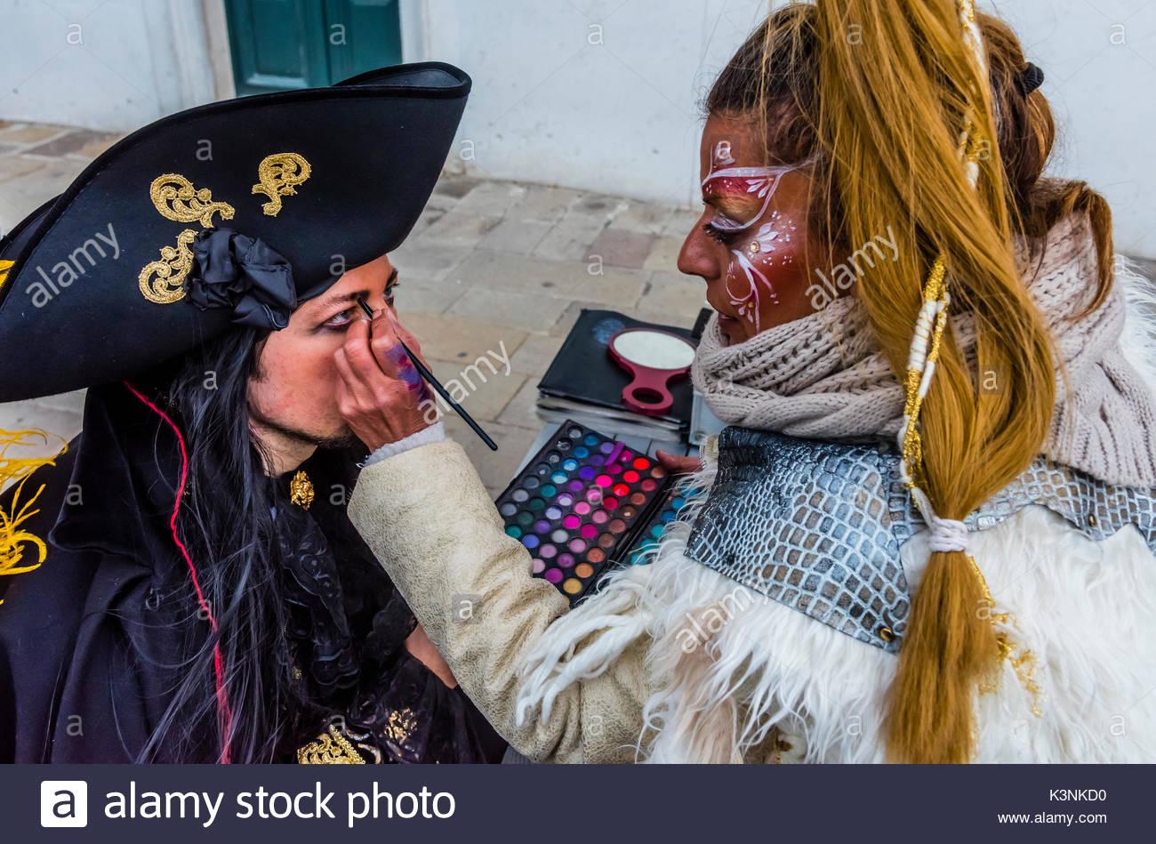Revelers in carnival costume, Venice Carnival (Carnevale di Venezia), Venice, Italy. Stock Photo