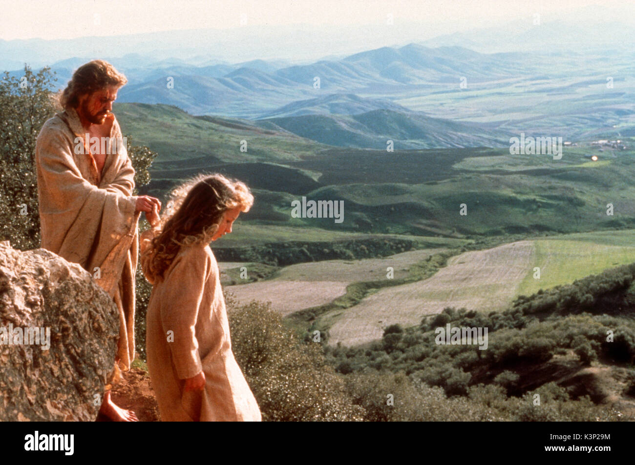 THE LAST TEMPTATION OF CHRIST [US / CAN 1988] WILLEM DAFOE as Jesus [left]     Date: 1988 - Stock Image