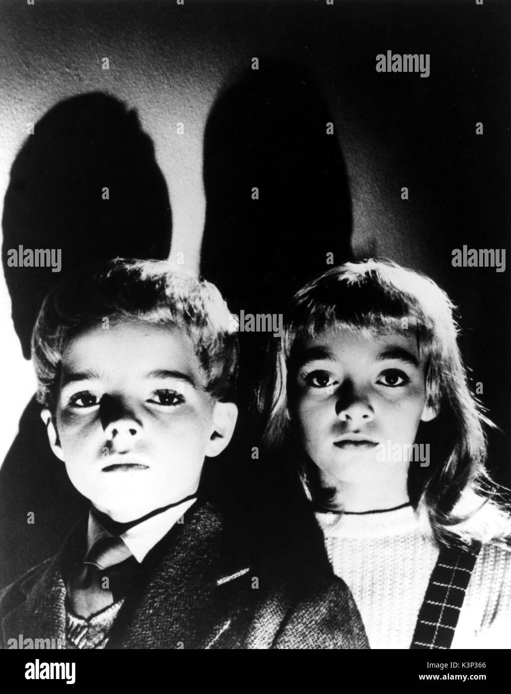 VILLAGE OF THE DAMNED [BR 1960] MARTIN STEPHENS, JUNE COWELL     Date: 1960 - Stock Image