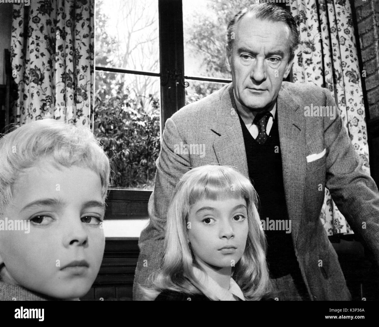 VILLAGE OF THE DAMNED [BR 1960] MARTIN STEPHENS, JUNE COWELL, GEORGE SAUNDERS     Date: 1960 Stock Photo