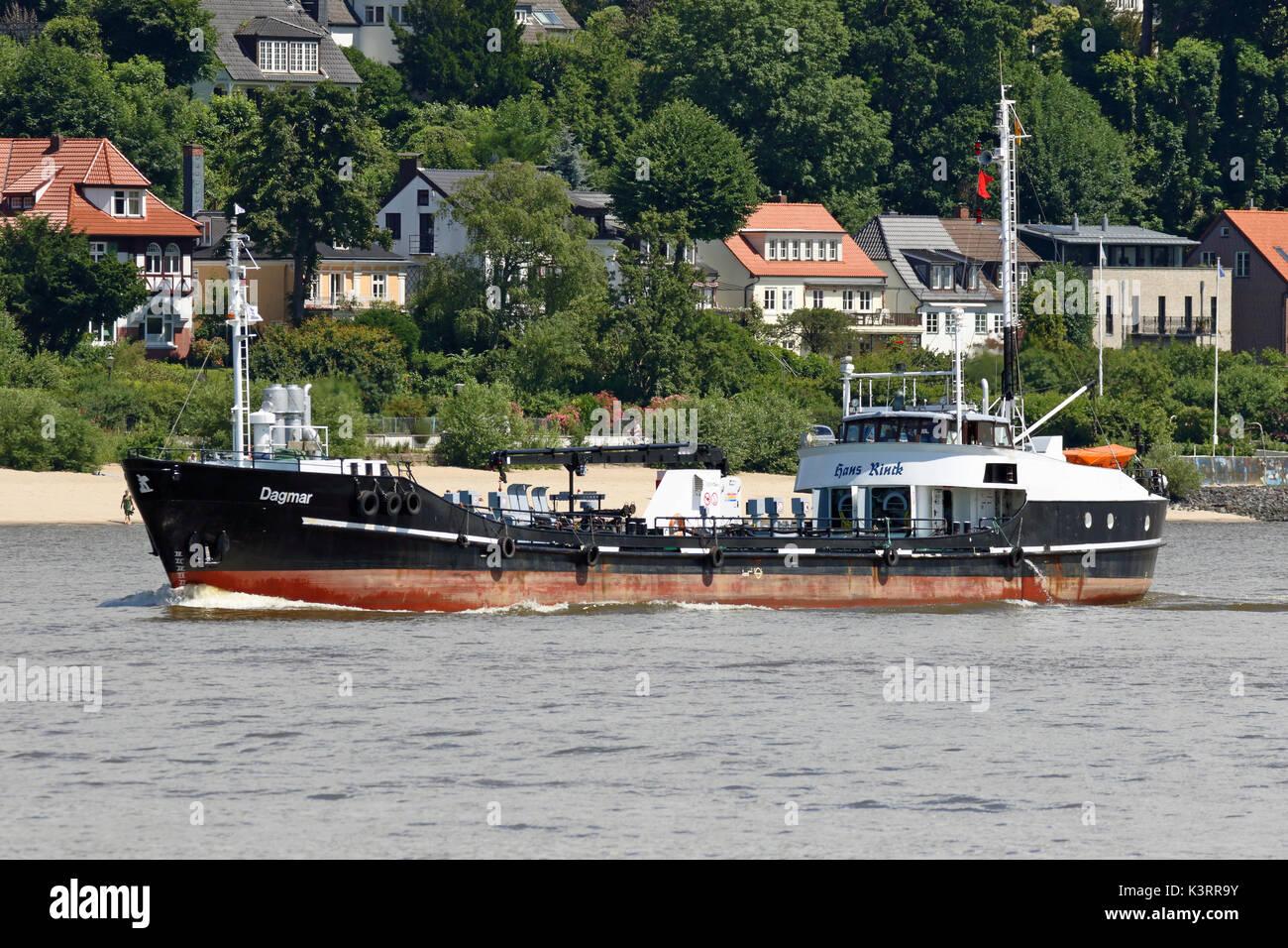 The tanker Dagmar leaves the port of Hamburg. - Stock Image