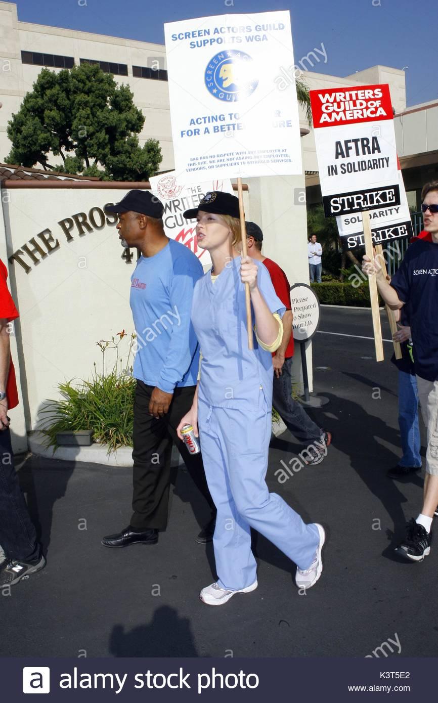 Greys Anatomy Star Katherine Heigl Walks With Co Stars Tr Knight