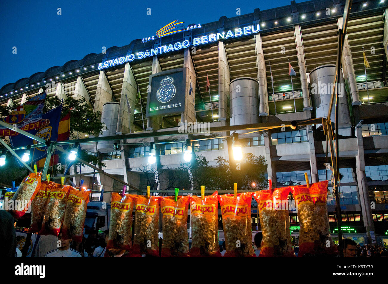 Vendor stall and atmosphere before Real Madrid-Barcelona football match. Santiago Bernabeu stadium, Madrid, Spain. - Stock Image