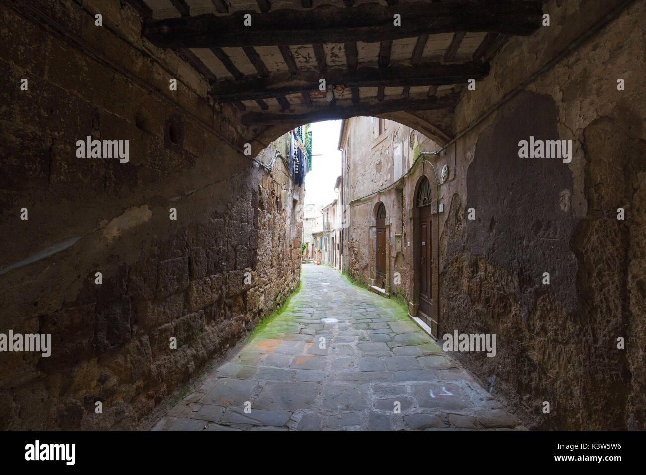 Street of the historical center of Sorano. Sorano, Grosseto province, Tuscany, Italy, Europe - Stock Image