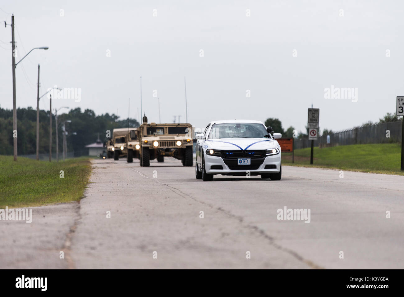 Arkansas National Guard Soldiers of the 142nd Field Artillery Brigade depart in response of Hurricane Harvey - Stock Image