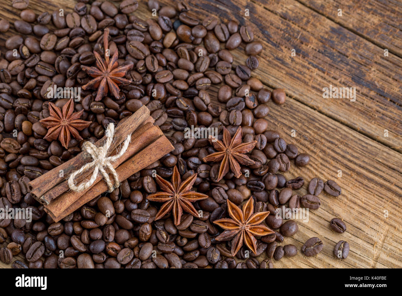 Background texture of grains of coffee cinnamon and anise stars - Stock Image