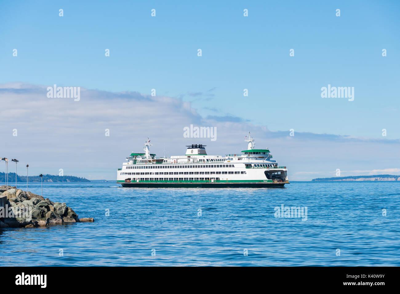 Washington State Ferry Puyallup Coming into Port, Edmonds, Washington - Stock Image