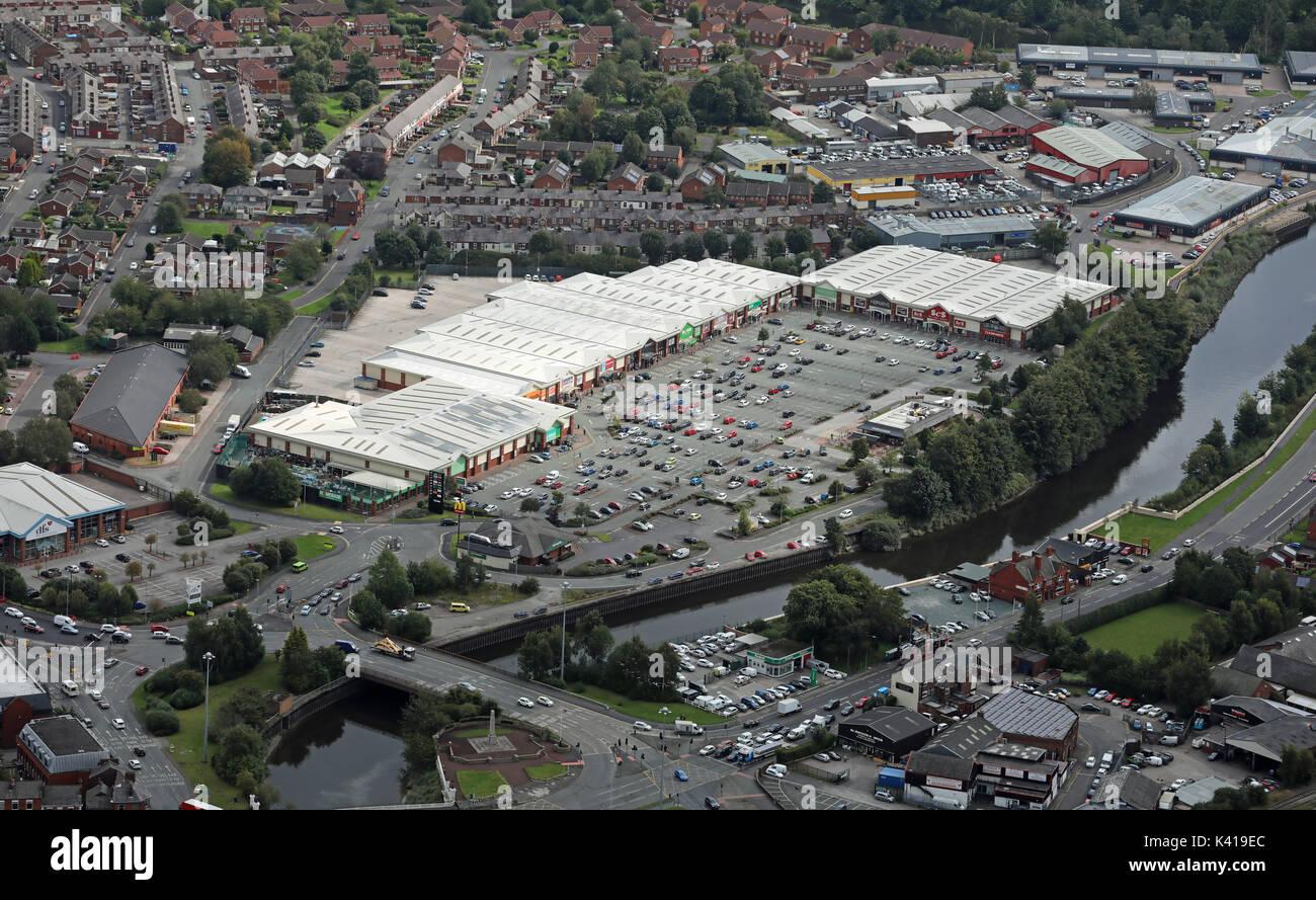 aerial view of Riverside Retail Park, Warrington, Cheshire, UK - Stock Image