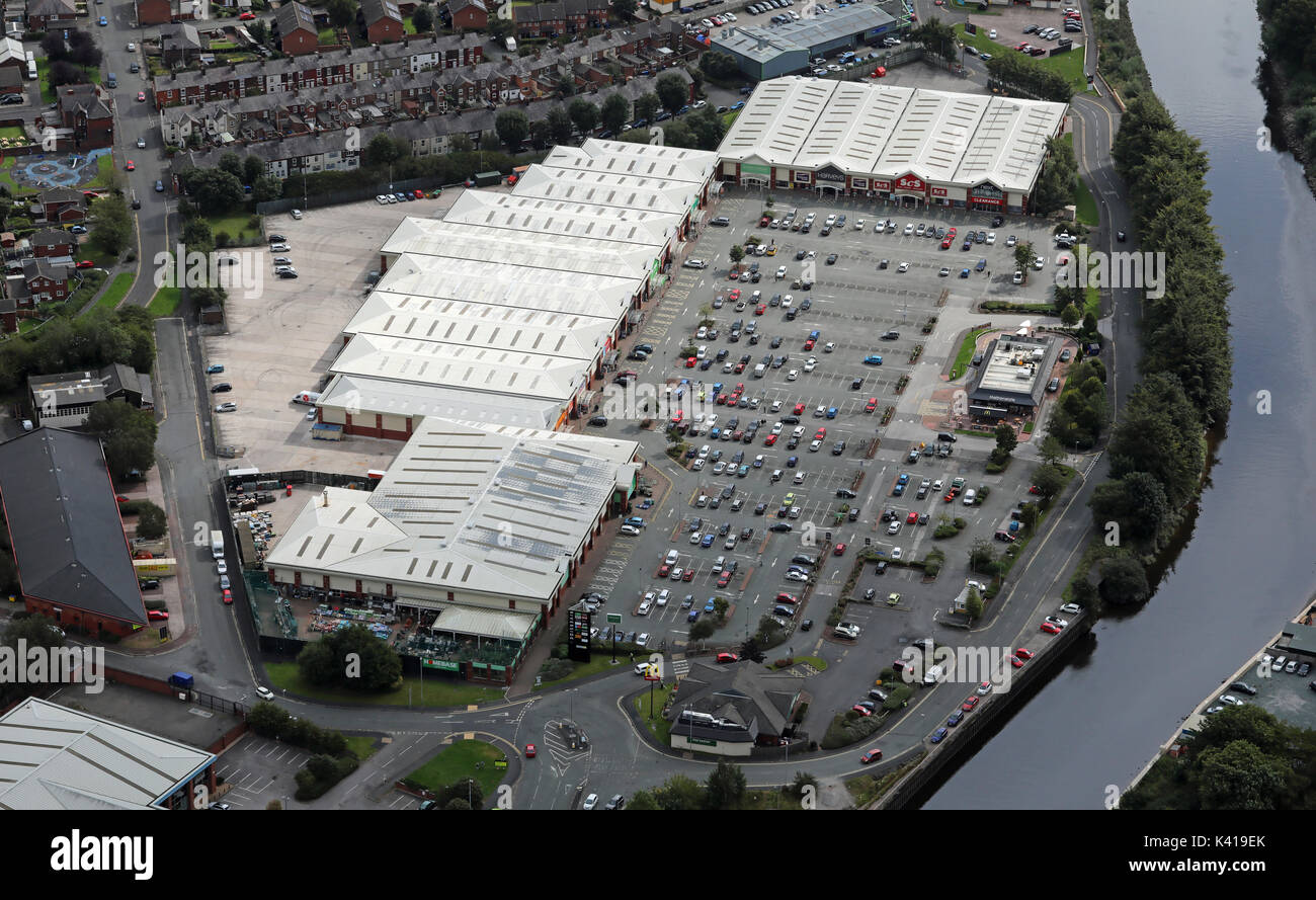 Retail Park Uk Homebase High Resolution Stock Photography And Images Alamy