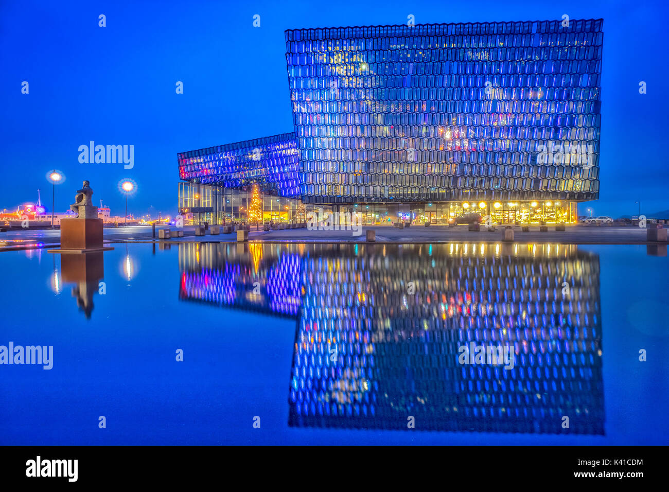 Harpa reykjavik concert hall and conference centre at night - Stock Image