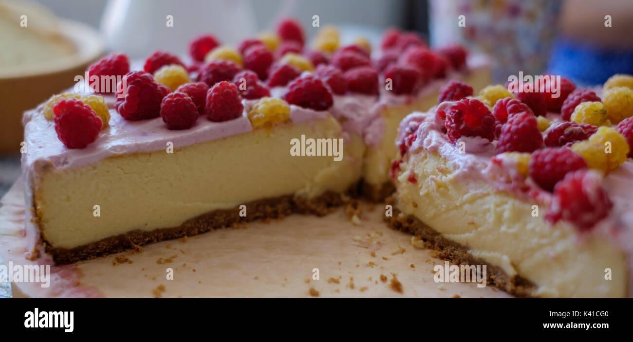 Handmade cheesecake with fresh berries - Stock Image