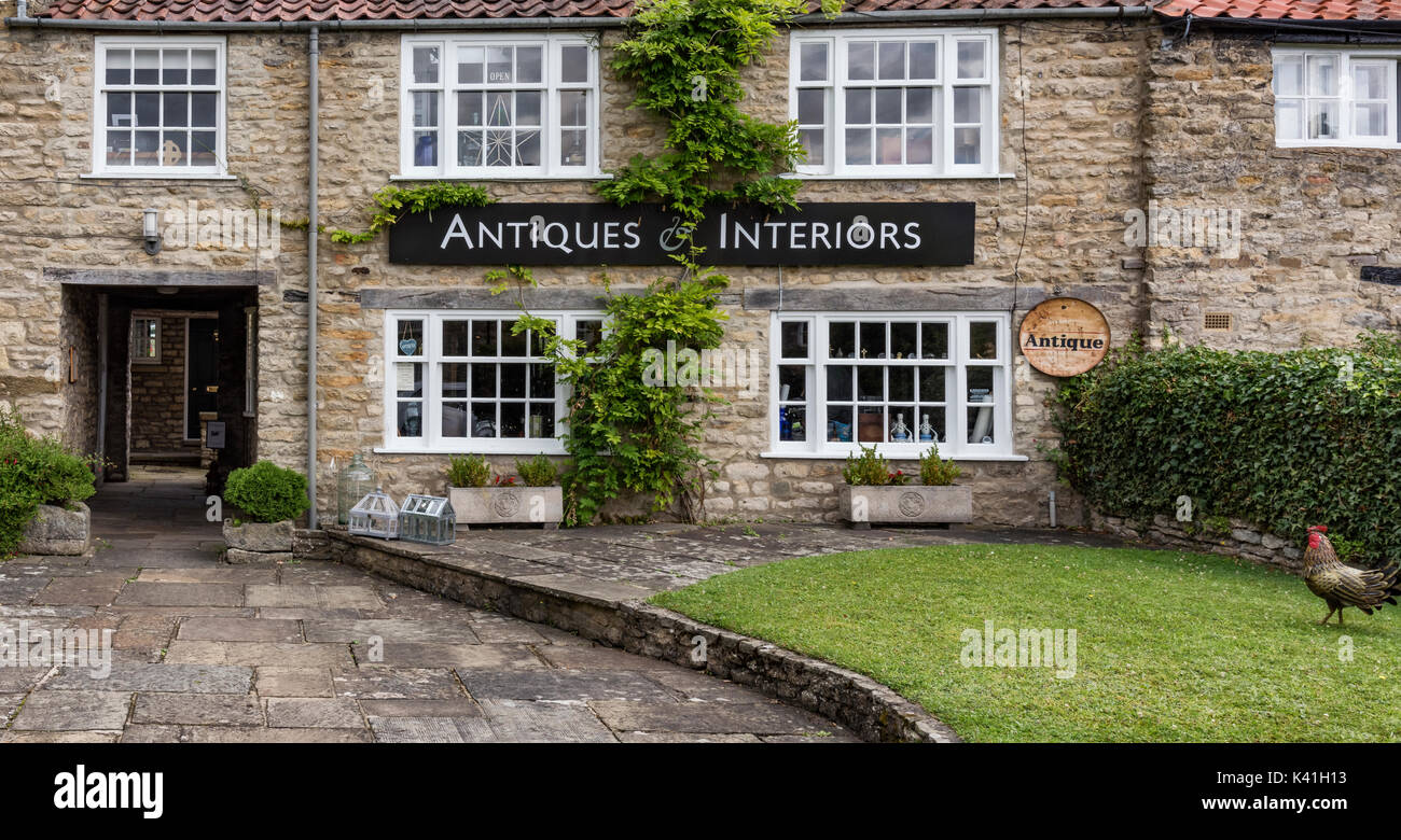 Antiques and Interiors shop in Helmsley - Stock Image